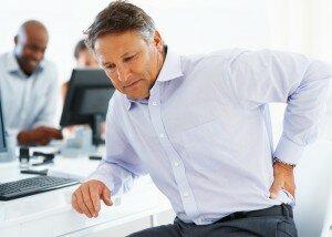 1 benh dau that lung2 300x214 Chữa trị đau lưng bằng phương pháp tập Yoga