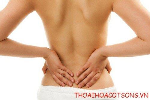 1 hinh anh dau lung2 Đau lưng đi kèm phát ban – dấu hiệu của căn bệnh zô na