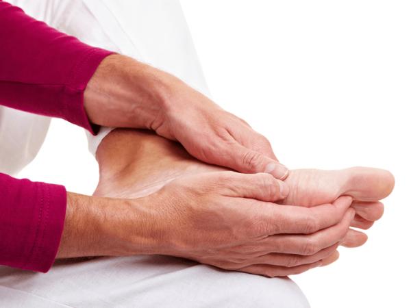 Hiện tượng tê tay chân ở bệnh nhân