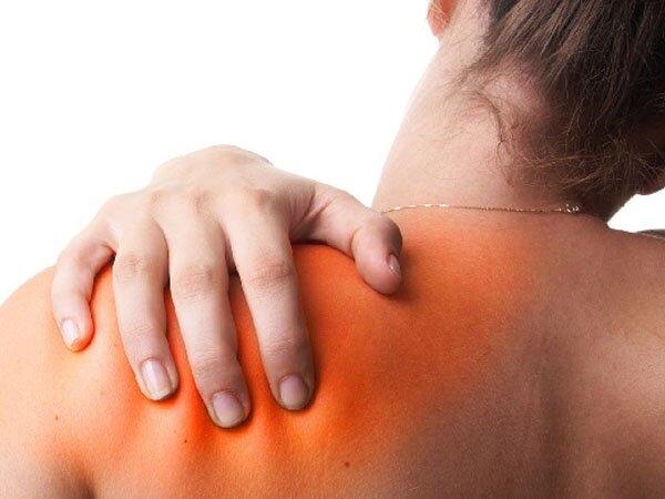 Nguyên nhân bệnh viêm khớp có thể do ngoại lực tác động