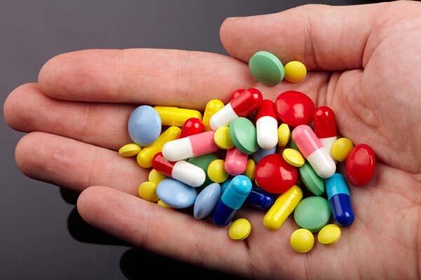 Sử dụng thuốc giảm đau để đẩy lùi tình trạng thoái hóa đốt sống cổ