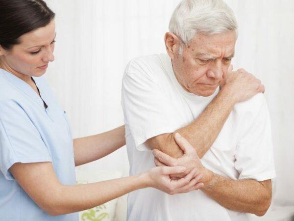 Triệu chứng bệnh thoái hóa khớp ở người cao tuổi
