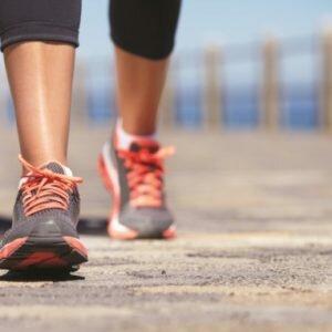 đau lưng có nên chạy bộ