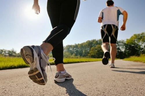 Nguyên lý của việc chạy bộ chữa đau lưng