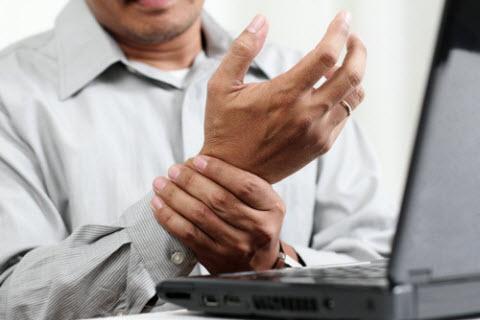 Biểu hiện của bệnh tê bì chân tay