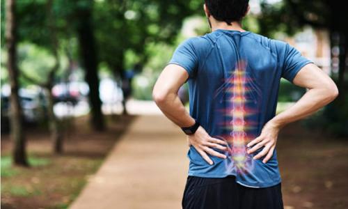 Tình trạng đau cột sống thắt lưng ở người trẻ đang ngày càng phổ biến