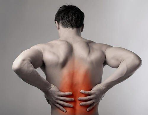 Nguyên nhân của đau đốt sống giữa lưng
