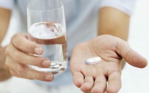 Bị gai cột sống có nên uống canxi không?
