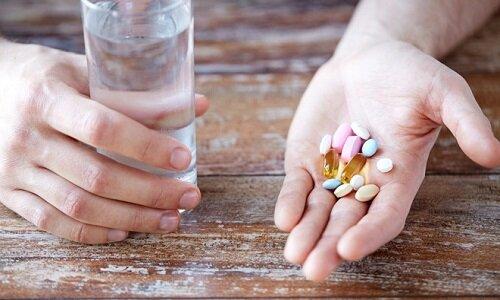Người bệnh nên uống thuốc đúng liều lượng