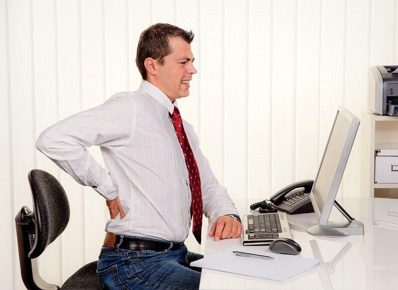 Nguyên nhân đau lưng do thói quen sinh hoạt và làm việc