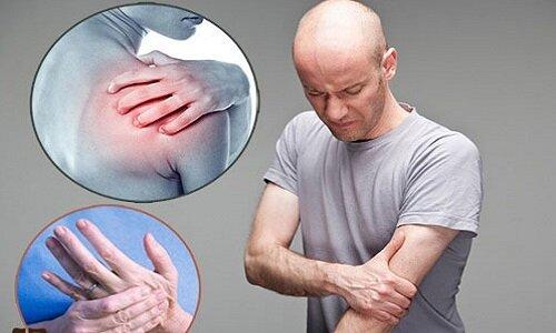 Xương khớp đau nhức, chân tay tê bì gây ra nhiều khó chịu cho người bệnh
